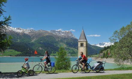 Doorkruis Europa met het gezin op de fiets
