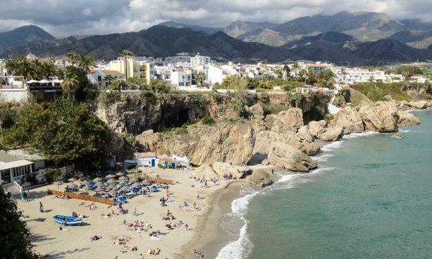 Spaanse steden battle: Almuñécar versus Nerja